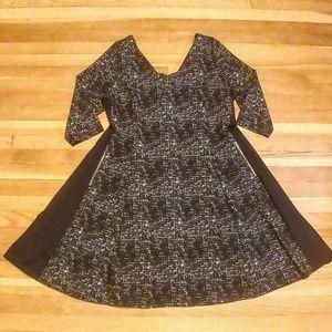 Fit & flare Sweater dress w/pockets